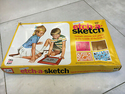 Vintage Etch-a-sketch Box • 6.25£