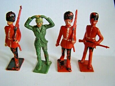 Cherilea - Four Plastic Soldiers - Three Guards Men And One German Prisoner  • 4.88£