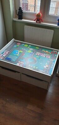 Childrens/kids Play Table • 20£