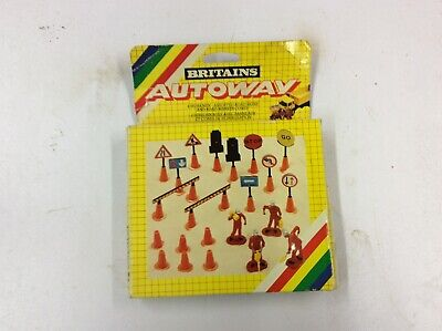 Britains Autoway 1/32 Workman & Road Signs 9801 • 26£