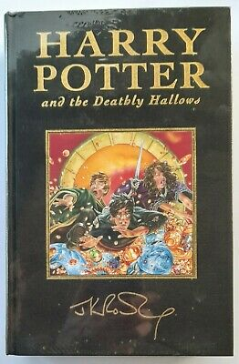Harry Potter And The Deathly Hallows  Deluxe First Edition -J K Rowling - 2007. • 160£