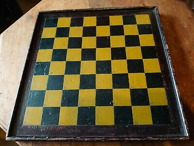 Antique Wooden Chess Board • 15£