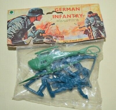 Vintage Blister Ri Toys  GERMAN INFANTRY SOLDIERS  Hong Kong 1960´s  • 19.50£