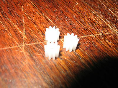 3 White Plastic Pinion Gears - 9 Tooth To Boost Scalextric - Mabuchi Motors • 1.99£
