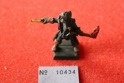 Games Workshop Mordheim Mordheim Witch Hunter Warhammer Metal Figure Painted N2 • 34.99£