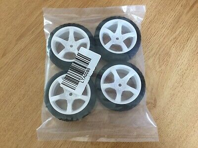 Rc Wheels And Tyres On Road • 7£