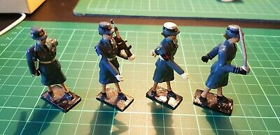 Collection Of 8 Metal Figures WRAF And WREN • 20£