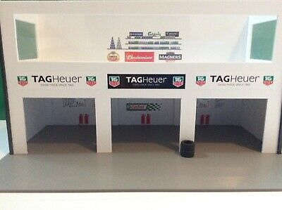 Ready Made 1:32 Scale Tag Heuer - Castrol 3x Car Pit Building Scalextric Carrera • 35£