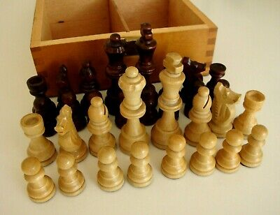 Boxed Chess Set.  Wooden.  Contemporary Style. • 8.99£