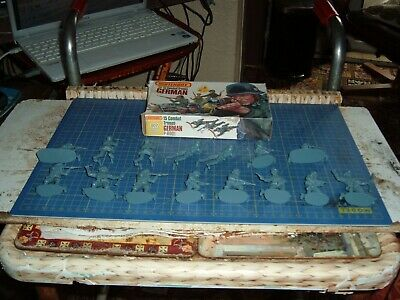 15 Unpainted 1/32 German Infantry By Matchbox • 9.50£