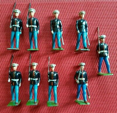 Britains US Marines Marching At The Slope From Set 228  9 Figures • 30£
