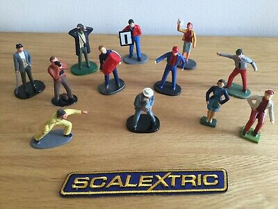 SCALEXTRIC VINTAGE  FIGURES 12 X TRACKSIDE SPECTATORS - WELL PAINTED  C709 • 19.95£