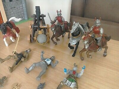 Knights, Horses, Catapult And Accessories • 4.99£