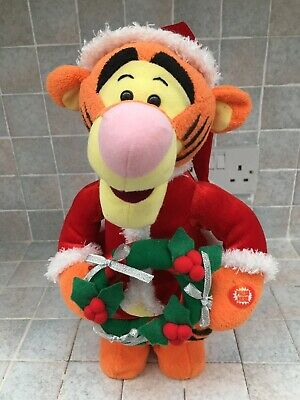 Tigger Dressed As Santa. Ridged Figure. Good Condition. • 2.49£