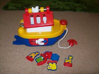Noah's Ark Actiity, Pull Along Boat. Used But In Good Condition. • 2£