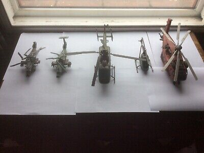 Model Military Helicopters X 5 Small Scale With Faults • 0.99£