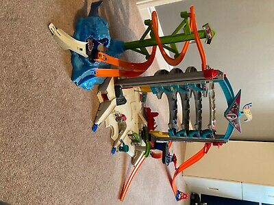 Hot Wheels Ultimate Car Garage Play-set, Full Working Order, Very Good Condition • 26£