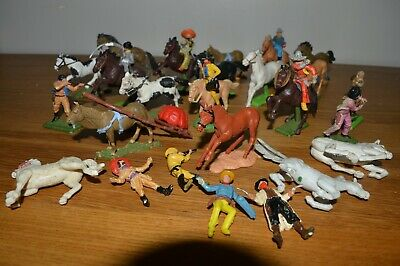 Job Lot Of Britains Figures • 3.20£