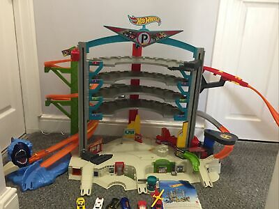 Hot Wheels Ultimate Shark Garage Fully Working Sounds Lights Great Condition • 40£