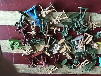 Job Lot Bundle Of Vintage Plastic Toy Soldiers  • 4.99£