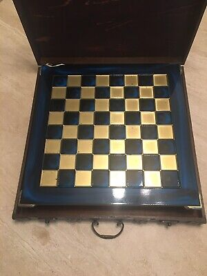 Vintage Chess Set And Board • 100£