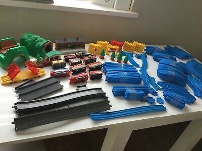 Tomy THOMAS & Friends TRACKMASTER Set Bundle - Blue Track Engine Tunnel • 39.99£