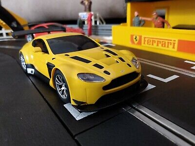 GORGEOUS! Scalextric Aston Martin Vantage GT3. SERVICED & TESTED. New Rear Tyres • 10£