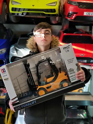 Double E Branded 1:8 Large R/C Rechargeable Forklift • 64.95£