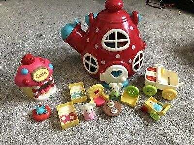 ELC Happyland Mouse Kettle Cottage, Cupcake Stand And Accessories • 8.50£