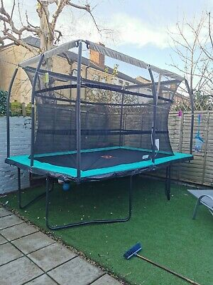 12 X 8 Foot Large Trampoline With Enclosure • 190£