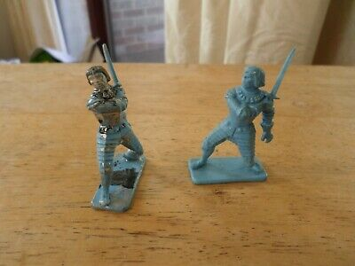 Kellogg's Give Away Figures 2 Knights On Foot • 1.50£