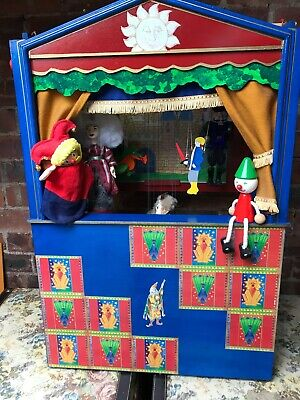 Vintage Puppet Theatre  - Includes Pelham Foal And Vintage Puppets • 52£