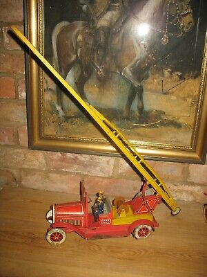TIPPCO FIRE ENGINE LADDER TRUCK GERMANY 1930 TINPLATE WIND UP TIN TOY No Car  • 275£