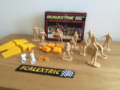 Scalextric  Accessories Pack With 12 Figures - C706 • 15.95£