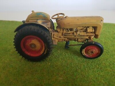 Tractor • 5.50£