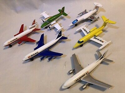 6 Matchbox Skybusters RCAF Starfighter BOAC 747 Swissair DC10 Cessna 402 Airbus • 9.95£