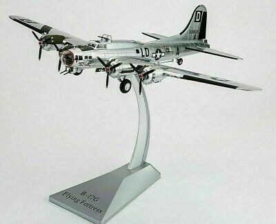 AIR FORCE 1 AF1-0110C.B17G FLYING FORTRESS,USAAF,'THE BLOODY 100TH'Thorpe Abbots • 97.99£