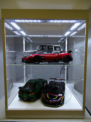 Display Case & Lights, Suitable For 1/18 + 1/24 With Turntable • 110£
