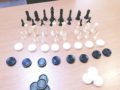 Chess Plastic Pieces Only. 1970's. Good Condition. 56 Pieces. NO GAME BOARD • 5.40£