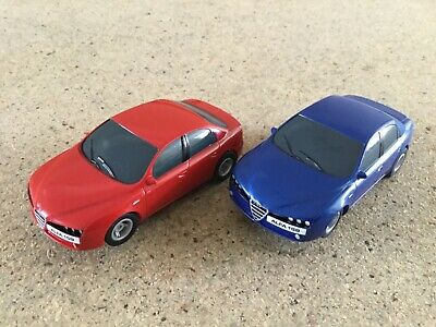 Micro Scalextric  1:64  Pair Of Alfa 159,s     Red &  Blue • 16.95£