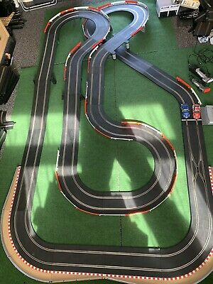 Scalextric Digital Layout With 2 Cars • 100£