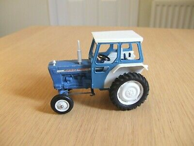 Vintage Britains Farm Ford 5000 Tractor  • 8.50£
