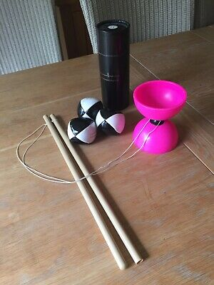 Pink Diabolo And Black And White Soft Juggling Balls For Wanna-be Circus Clowns. • 0.99£