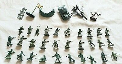 Plastic Army Soldiers X 60 + Vehicles. Preowned. (Set 1) Good • 4£