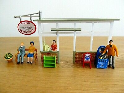 Garage Pay Booth With Figures - 1:43 Scale - Garage Accessories - Dioramas • 18.95£