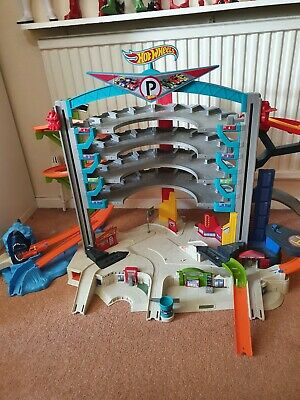 🚙Hot Wheels Ultimate Garage With Shark ..all Complete..sounds Working Perfectly • 15£