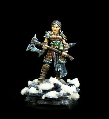 Reaper Miniatures DHL - 04010 - Hanei Female Warrior, Barbarian, Fighter • 8£