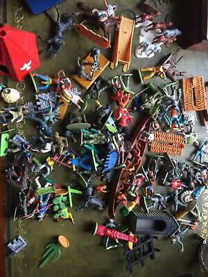Job Lot Of Vintage Plastic Cowboys And Indians, Soldiers • 14.50£