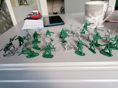 Bundle Of Plastic Army Soldiers Small Bundle Joblot • 2.50£