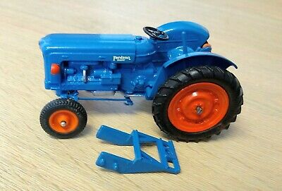 Britains Farm Fordson New Major. 172F 1:32 Scale.  • 52£